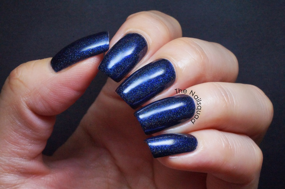 black water by glam polish(1)
